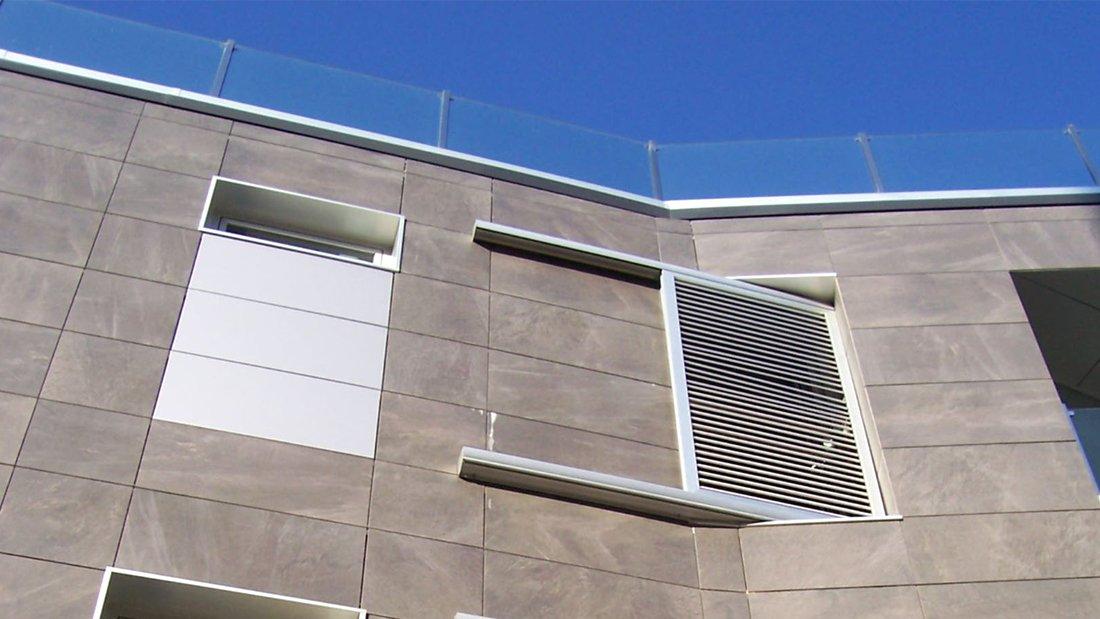 Edificio en Portonovo, ventana