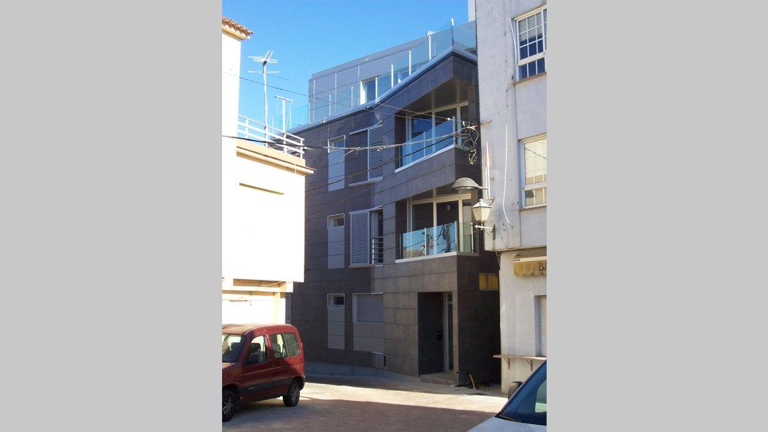Edificio de viviendas colectivas 3
